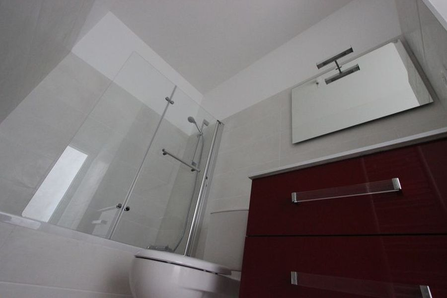 Location appartement grand t2 r nov rue du parc quimper for Salle de bain quimper