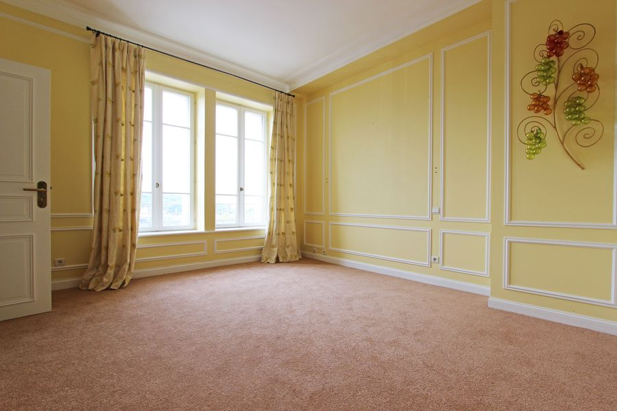 Vente d 39 un appartement de caract re en duplex quimper for Agence appartement quimper