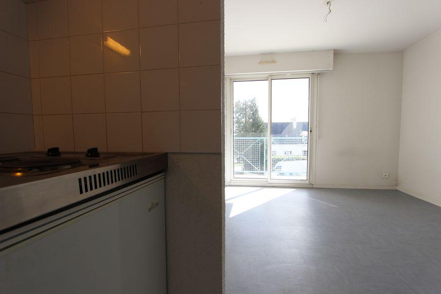 Louer studio avec balcon proche iut quimperl 39 agence for Cuisine quimper