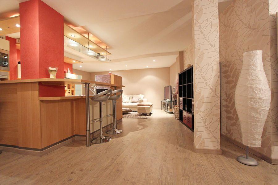 vendre appartement type loft centre ville 2 chambres et. Black Bedroom Furniture Sets. Home Design Ideas