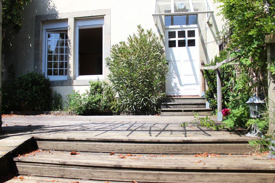 quimper centre une 1900 clos de murs quartier saint marc. Black Bedroom Furniture Sets. Home Design Ideas
